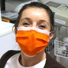 Les lieux publics clos imposent désormais le port d'un masque de protection.