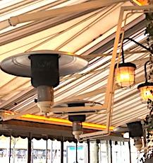 Bientôt, les terrasses chauffées ouvertes, devant les cafés et les restaurants, disparaîtront