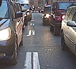 Imposer une limite de vitesse pour rouler à 30 km/heure en ville pourrait devenir une nouvelle norme.