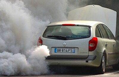Des assurances variables seront bientôt appliquées aux véhicules plus polluants.