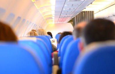 Supprimer les vols intérieurs au profit des voyages en train est une idée écologiste à l'étude.