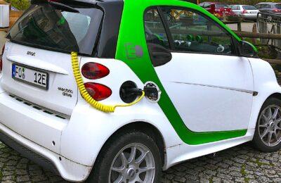 La prime de conversion pour acheter une voiture électrique devient moins généreuse