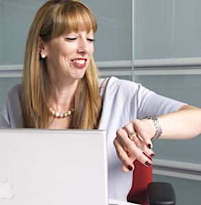 photo d'une secrétaire illustrant un encadrement du télétravail