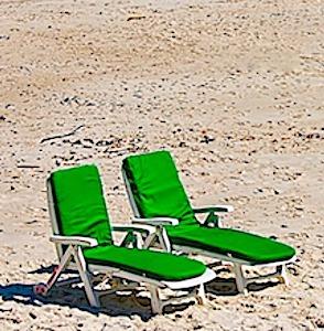 Actuellement, les départs en vacances, en très nette baisse, inquiètent beaucoup le secteur touristique