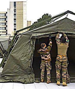 Un renfort militaire sanitaire est réclamé par les élus de la Loire, pour obtenir plus de lits de réanimation