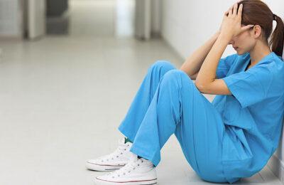 Un manque d'effectifs médicaux affaiblit le système hospitalier