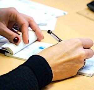 La fin des chèques est un courant qui s'amorce en France, accéléré par le confinement.