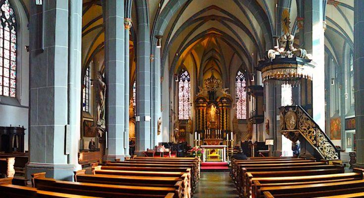 Les messes interdites restent une décision choquante pour le monde catholique