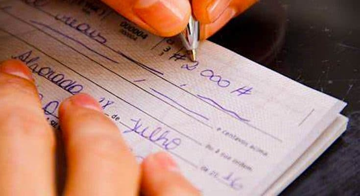 La fin des chèques pourrait bientôt s'amorcer en France