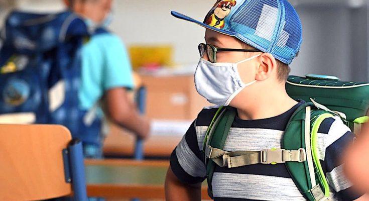 Les écoles toujours ouvertes à Dunkerque, malgré la flambée des contaminations, inquiètent beaucoup le maire.