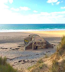 La combinaison de plusieurs facteurs d'érosion a créé une faille dangereuse dans le littoral du Cotentin.