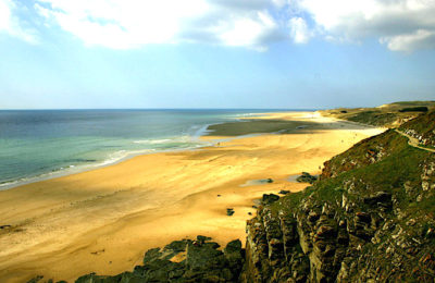 Une faille très importante dans le littoral du Cotentin inquiète la maire d'une commune