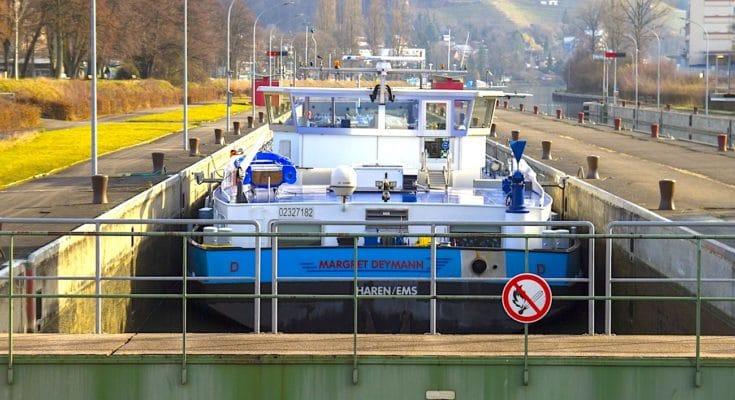 La restauration des infrastructures fluviales française doit être constante.