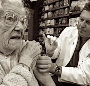 Les vaccinations des seniors isolés doivent mieux se répartir sur le territoire.