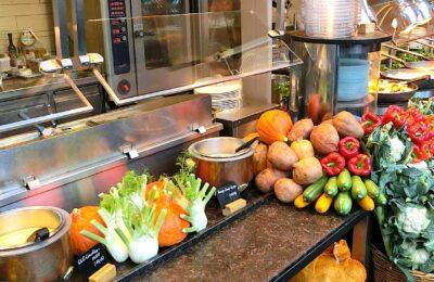 Un menu scolaire végétarien à Lyon a engendré une vive controverse.