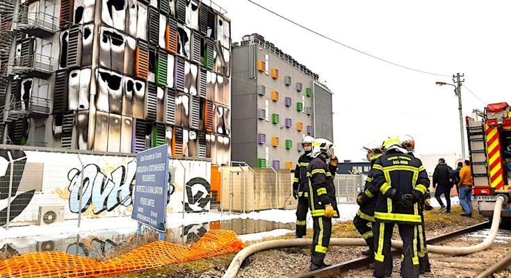 Après un fort incendie à Strasbourg, le data center d'OVH est en partie hors service.