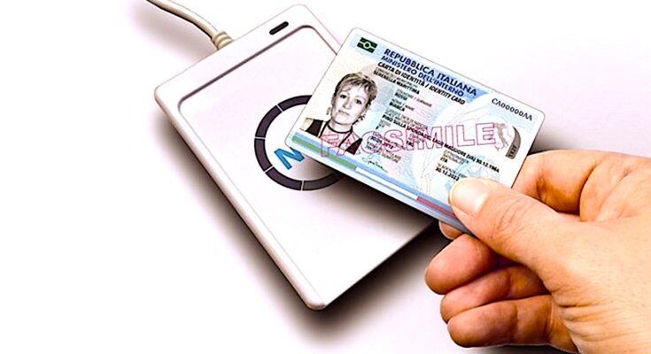 Le lancement d'une nouvelle carte nationale d'identité électronique a eu lieu en France.