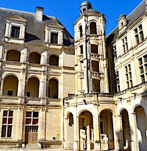 En restant privés de visiteurs depuis très longtemps, les châteaux de la Loire fermés affrontent une situation financière très difficile.