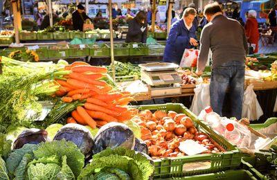 A Lille, le glânage sur les marchés permet de nourrir les foyers démunis.