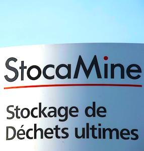 panneau de StocaMine qui marque un enfouissement de déchets dangereux