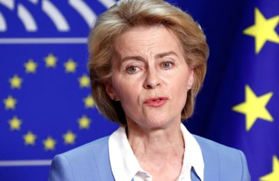 L'obligation d'un passeport vaccinal sera bientôt discutée par la Commission européenne.