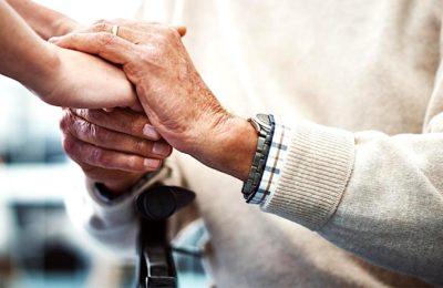 Le maintien à domicile des seniors dépendants pourrait remplacer la création de nouveaux EHPAD.