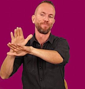 le langage des signe pour une meilleure accessibilité à la communication publique
