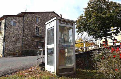 En France, on ne dénombre plus que 26 cabines téléphoniques encore en activité.