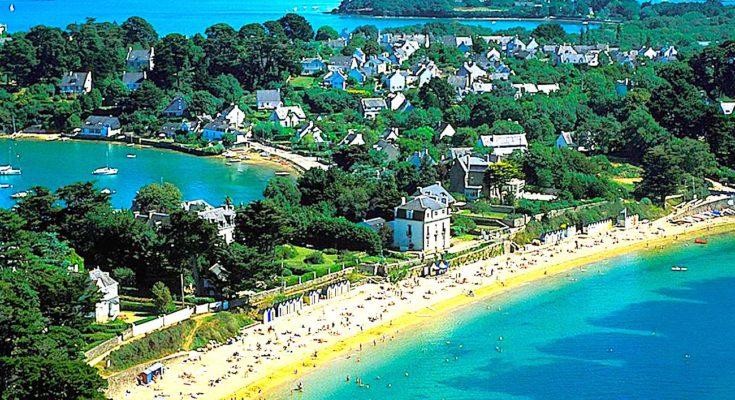 Dans les îles du Ponant, une association sauvegarde l'environnement breton.