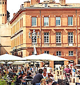 La réouverture des terrasses à Toulouse a permis aux habitants de retrouver une vie presque normale.