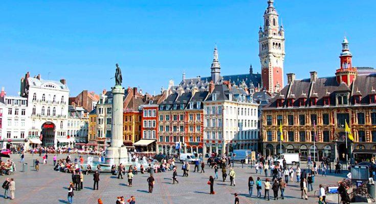 Des emplois saisonniers à Lille, cet été, ont offert des opportunités pour les jeunes.