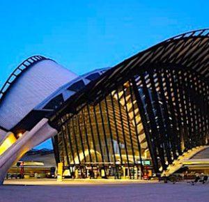Bientôt, l'aéroport de Lyon bénéficiera d'une nouvelle navette qui le reliera au centre-ville lyonnais.