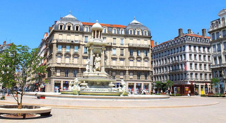 Grâce à sa nouvelle charte architecturale, Lyon va améliorer sa transition écologique.