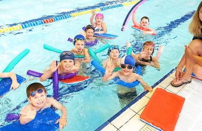 Pour éviter les risques de noyade, le département de l'Indre se mobilise en rouvrant des cours de natation.