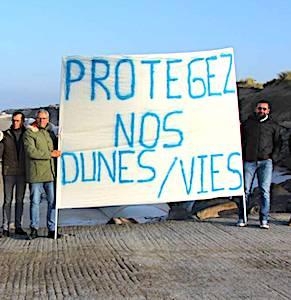 Pour obtenir une meilleure protection des côtes, à Gouville-sur-Mer, le collectif « Le Trait de Côte » mène des actions locales.