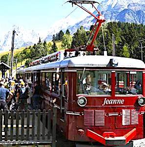 Le tramway du Mont-Blanc est un train mythique qui a recommencé à rouler au mois de juin dernier.