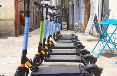 Les dangers des trottinettes électriques viennent d'entraîner une nouvelle limitation de vitesse à Paris.