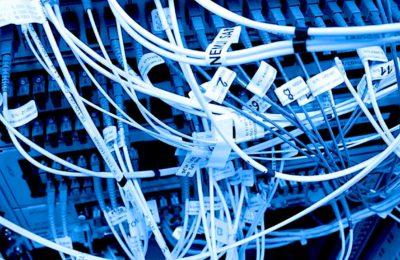 Dans la guerre de la 5G, les opérateurs musclent leurs réseaux respectifs