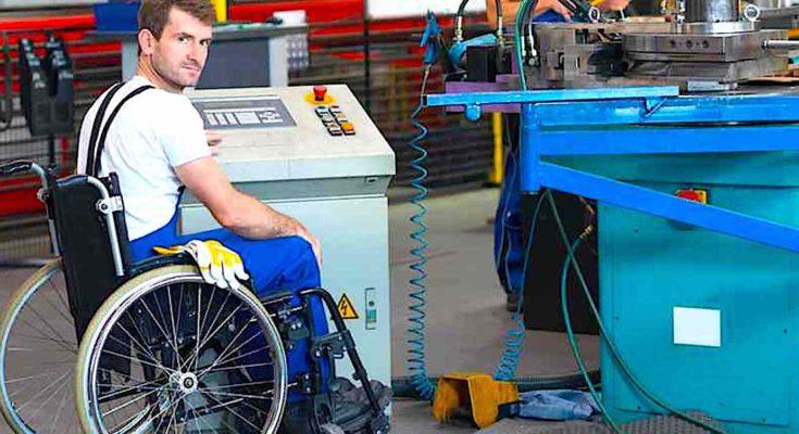 Aujourd'hui, des discriminations liées à des handicaps induisent encore une forme de ségrégation dans notre pays.