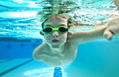 Avec des cours de natation gratuits, Rouen veut rattraper le retard de certains élèves.