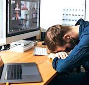 Parmi les risques connus du télétravail, on sait que la surconnexion peut devenir dangereuse pour la santé.
