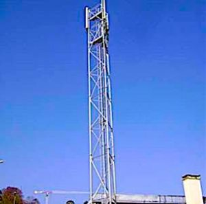 Pour faire une importante économie d'énergie, Free a décidé d'éteindre ses antennes-relais 4G la nuit, car elles sont moins utilisées.