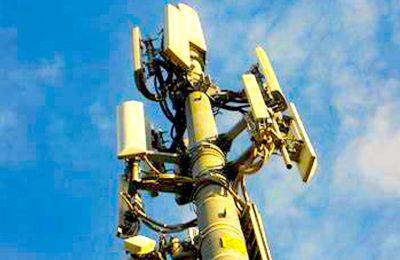 Pour faire une importante économie d'énergie, Free a décidé d'éteindre ses antennes-relais 4G la nuit, car elles sont moins sollicitées.