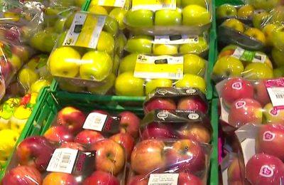 Une suppression des emballages plastique pour une trentaine de fruits et légumes doit s'appliquer en 2022.