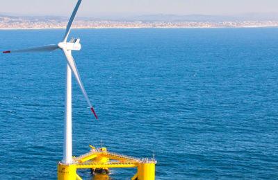 Un parc éolien controversé, prévu dans la baie à Saint-Brieuc, est un projet qui soulève de nombreuses contestations.