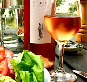 """Pour découvrir les vins de Provence et les productions artisanales de cette région, il faut se rendre au Salon """"Autour du vin"""", ce mois-ci."""